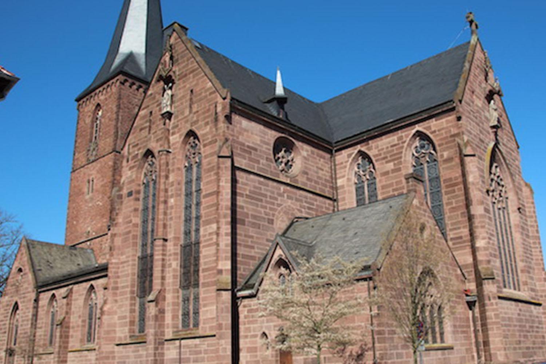 Außenansicht der St. Marien Pfarrkirche