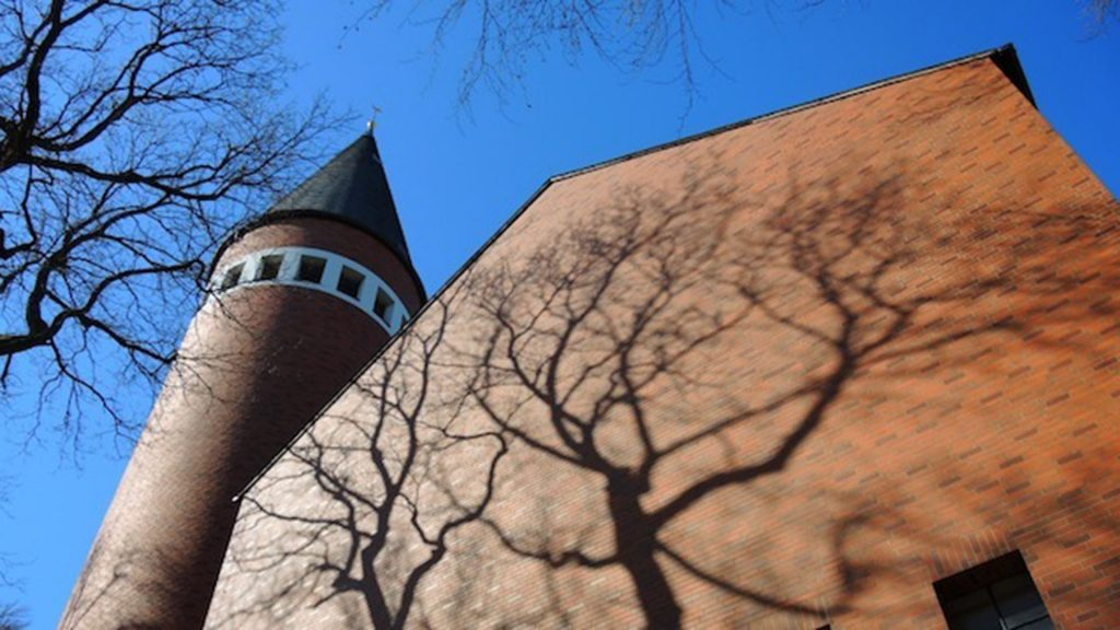 Außenansicht der Pfarrkirche Heilig Geist