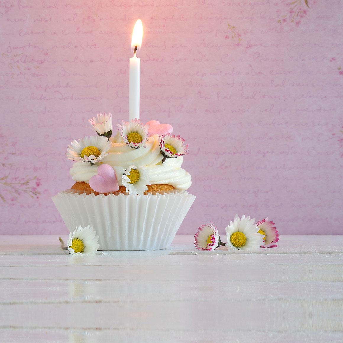 Eine Velight Kerze als Geburtstagsgeschenk