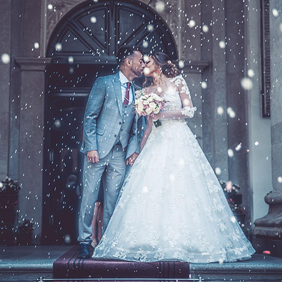 Als Erinnernung an die Hochzeit eine Velight Kerze entzünden